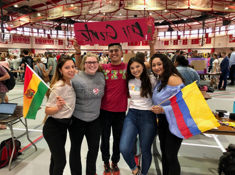 Student's in the Carthage org Mi Gente pose for a photo during the 2019 Involvement Fair.